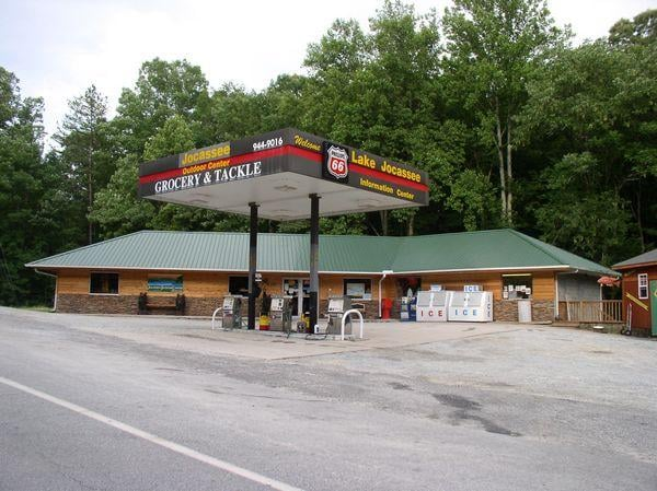 Jocassee Outdoor Center: 516 Jocassee Lake Rd, Salem, SC