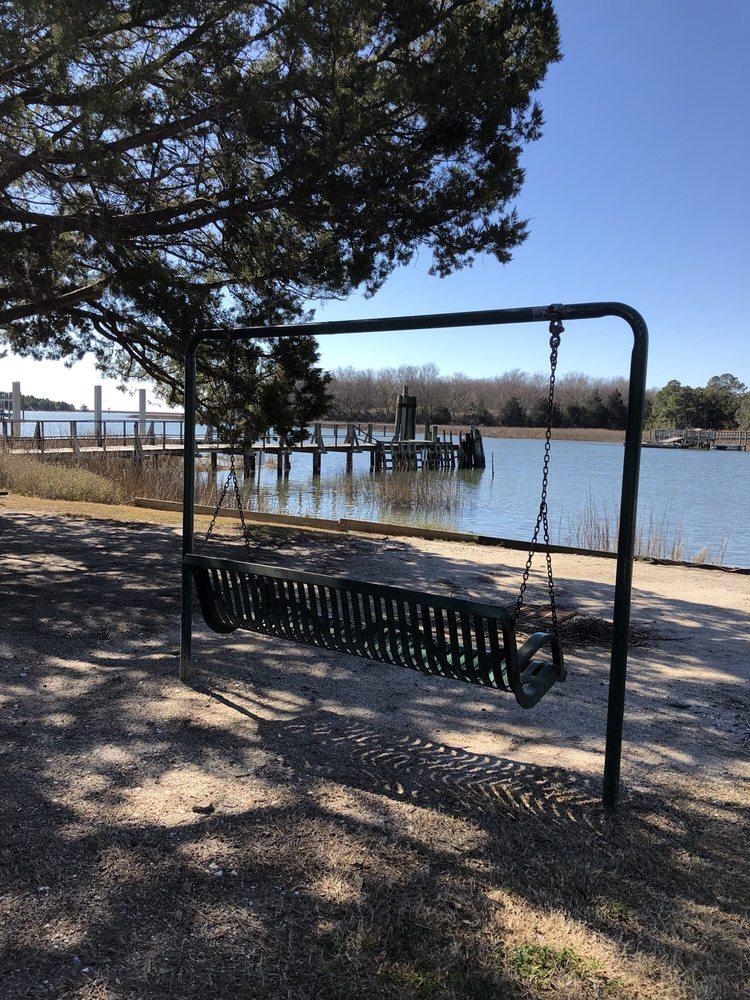 McClellanville Public Observation & Fishing Pier: McClellanville, SC