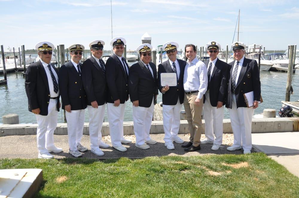 Woodmere Bay Yacht Club: 2 Cooke St E, East Rockaway, NY