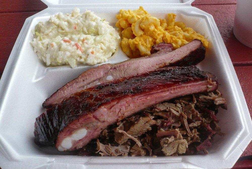 Smokin' Joe's BBQ: 4050 Hwy 17, Bowling Green, FL