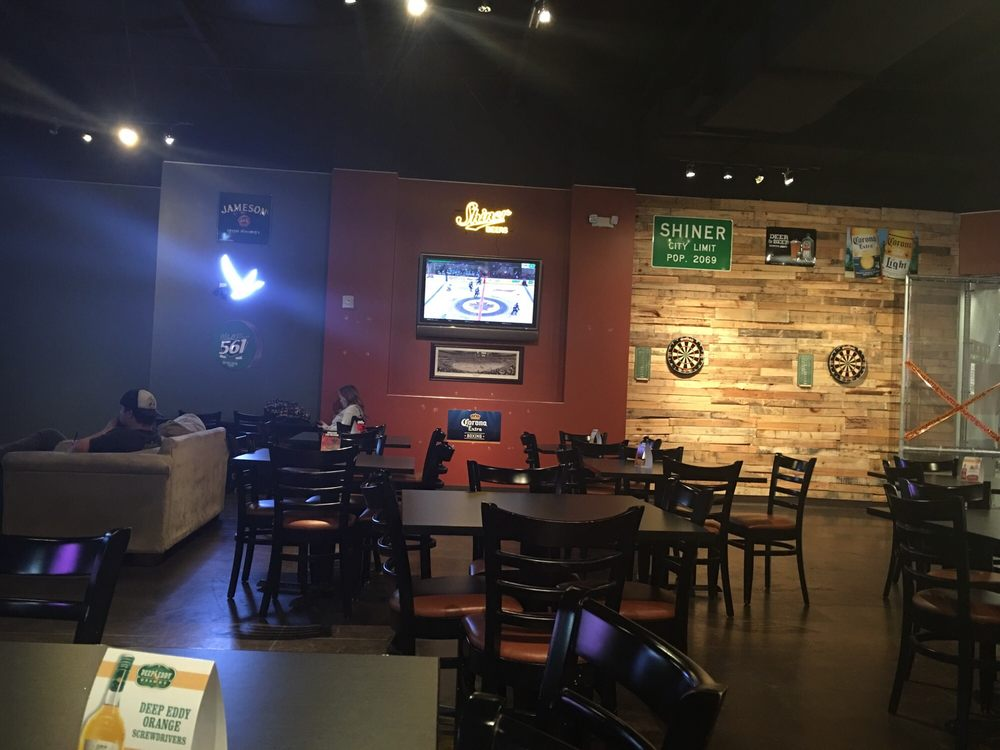 19 Degrees Sports Bar & Grill: 6993 Stars Ave, McKinney, TX