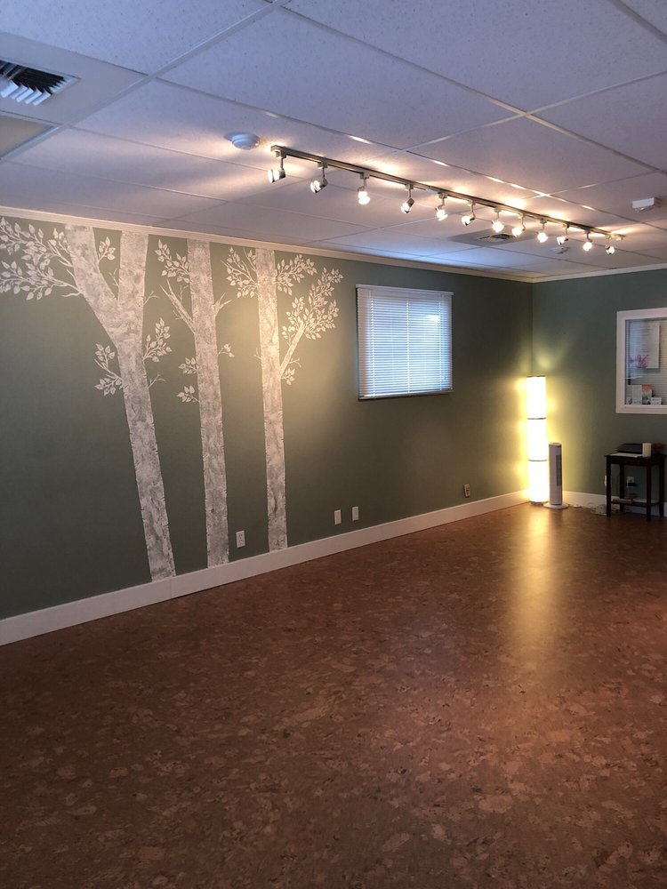 Three Trees Yoga & Healing Center: 204 S 348th St, Federal Way, WA