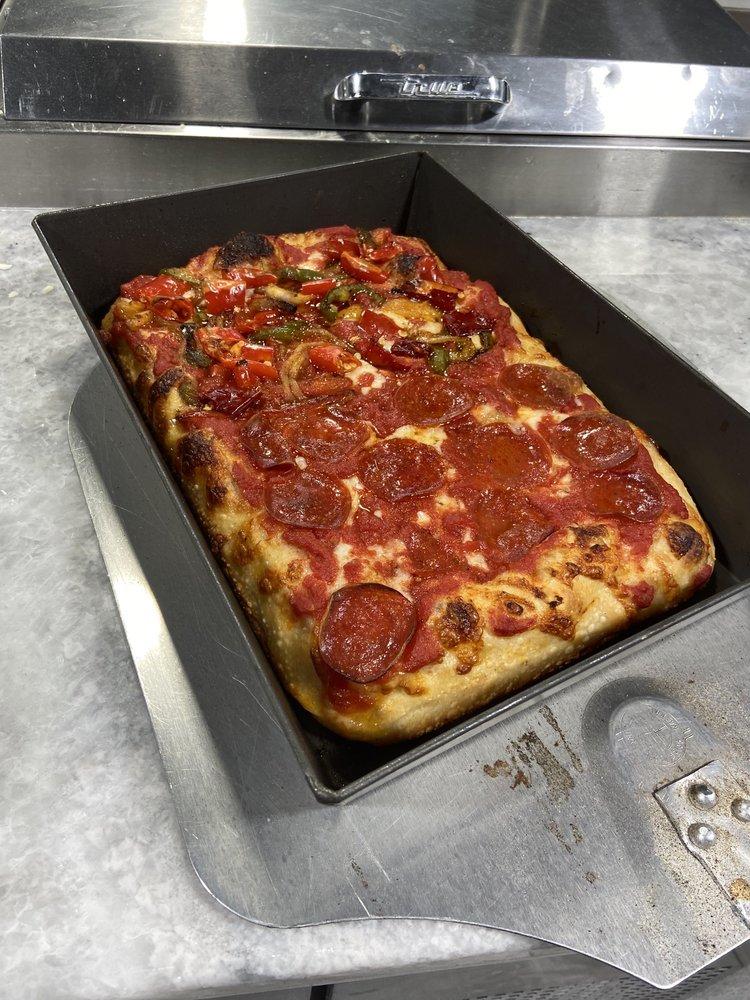 Vito's Pizza: 350 JFK Dr N, Bloomfield, NJ