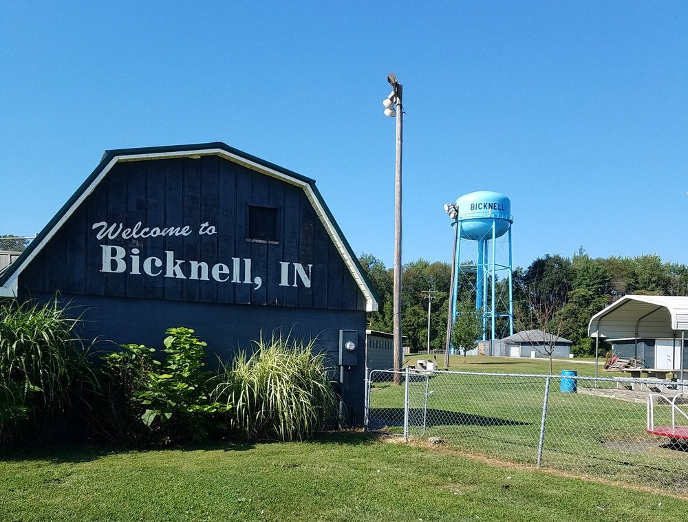 Hooper Athletic Field: 302 W 11th St, Bicknell, IN