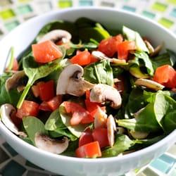 ... de Rachel's Kitchen - Las Vegas, NV, Estados Unidos. Spinach Salad