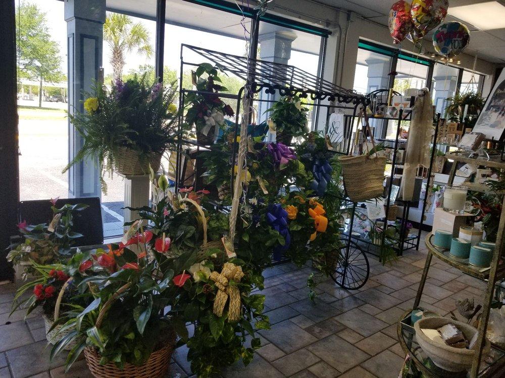 Pugh's Floral Shop: 3902 Market St, Pascagoula, MS