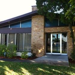 Garden Street Animal Hospital Veterinarios 2220 Garden St Titusville Fl Estados Unidos