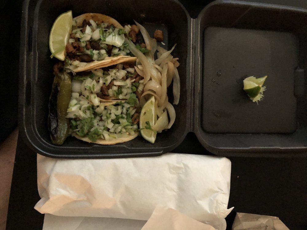 Bravos Tacos: 2000 Arden Way, Sacramento, CA