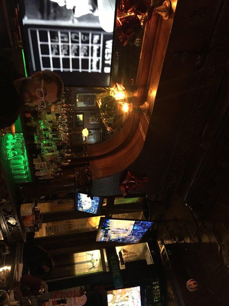 The Irish Nobleman: 1367 W Erie St, Chicago, IL
