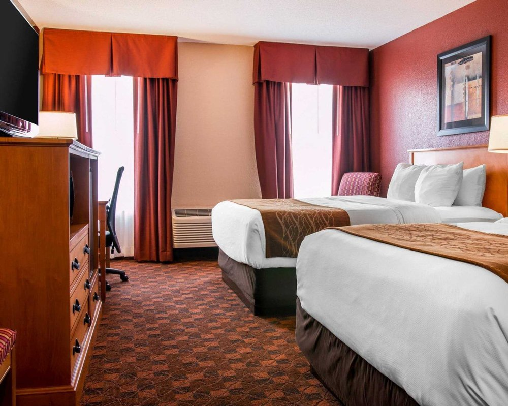 Comfort Inn & Suites And Conference Center: 2424 S Mission St, Mount Pleasant, MI