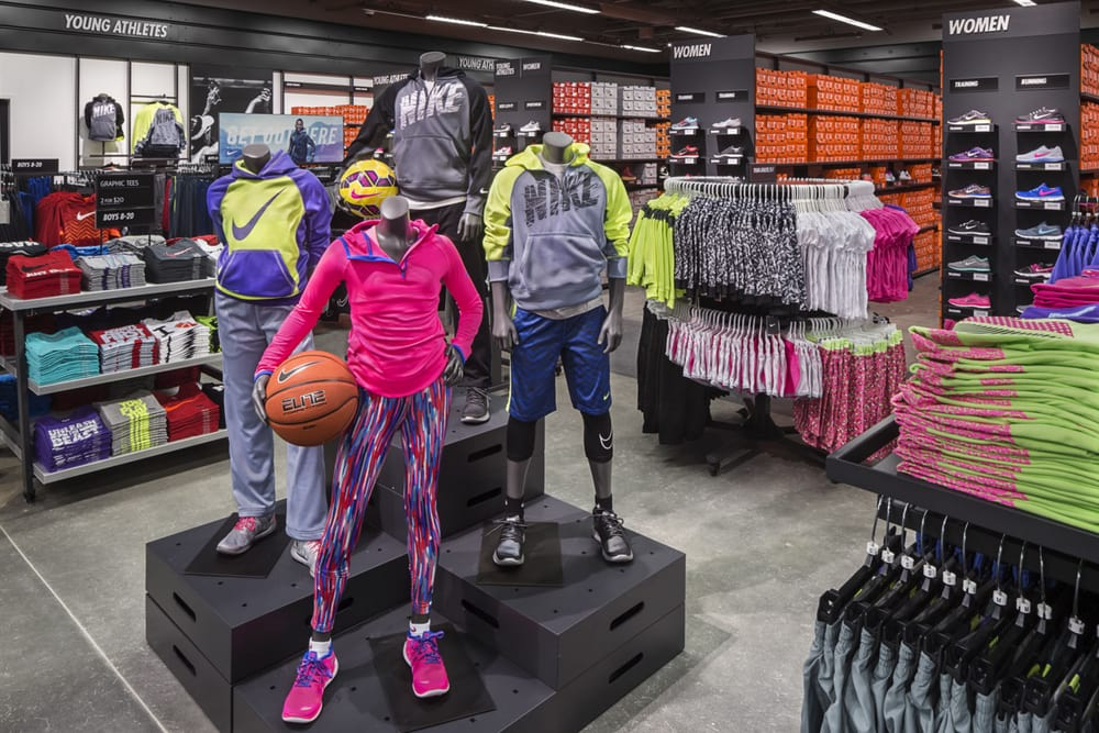 finest selection c3ccb 5aeeb 9 photos for Nike Factory Store