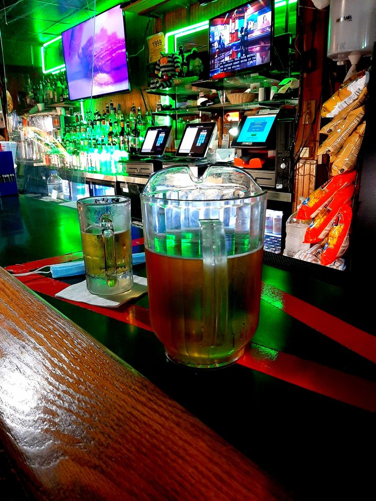 Mickey's Pub: 1007 Main St, Saint Joseph, MI