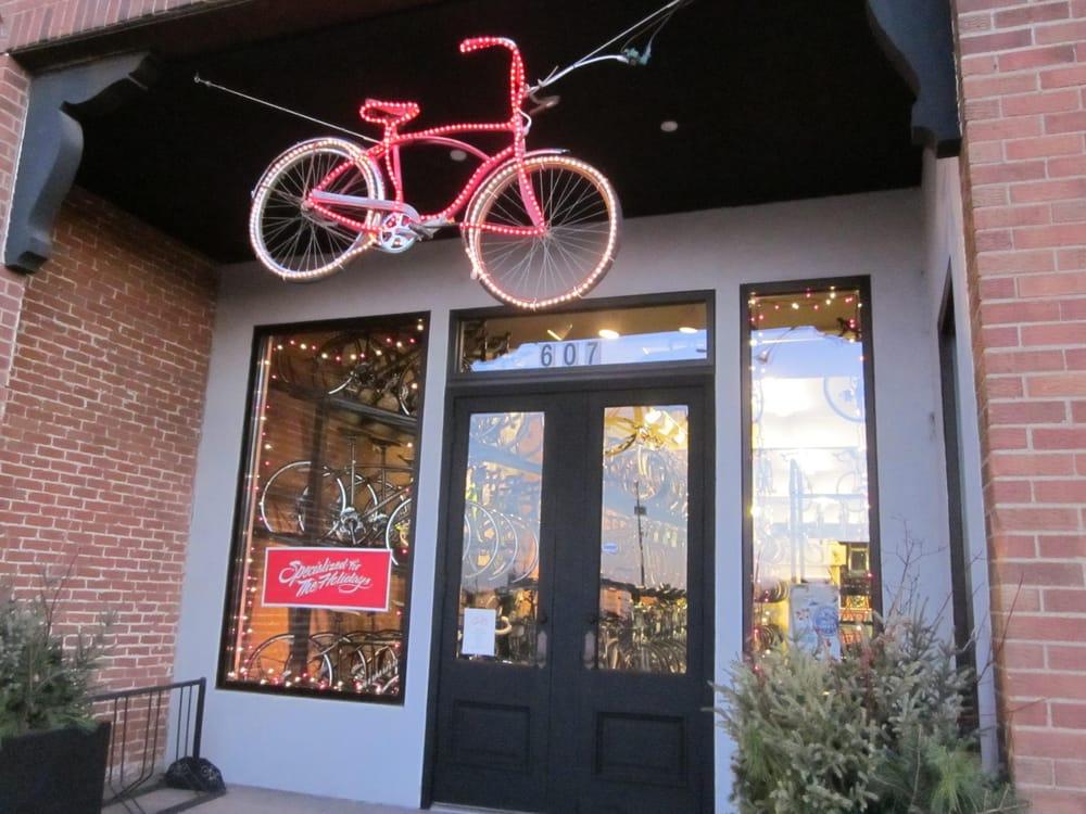 Nicollet Bike and Ski Shop: 607 N Riverfront Dr, Mankato, MN