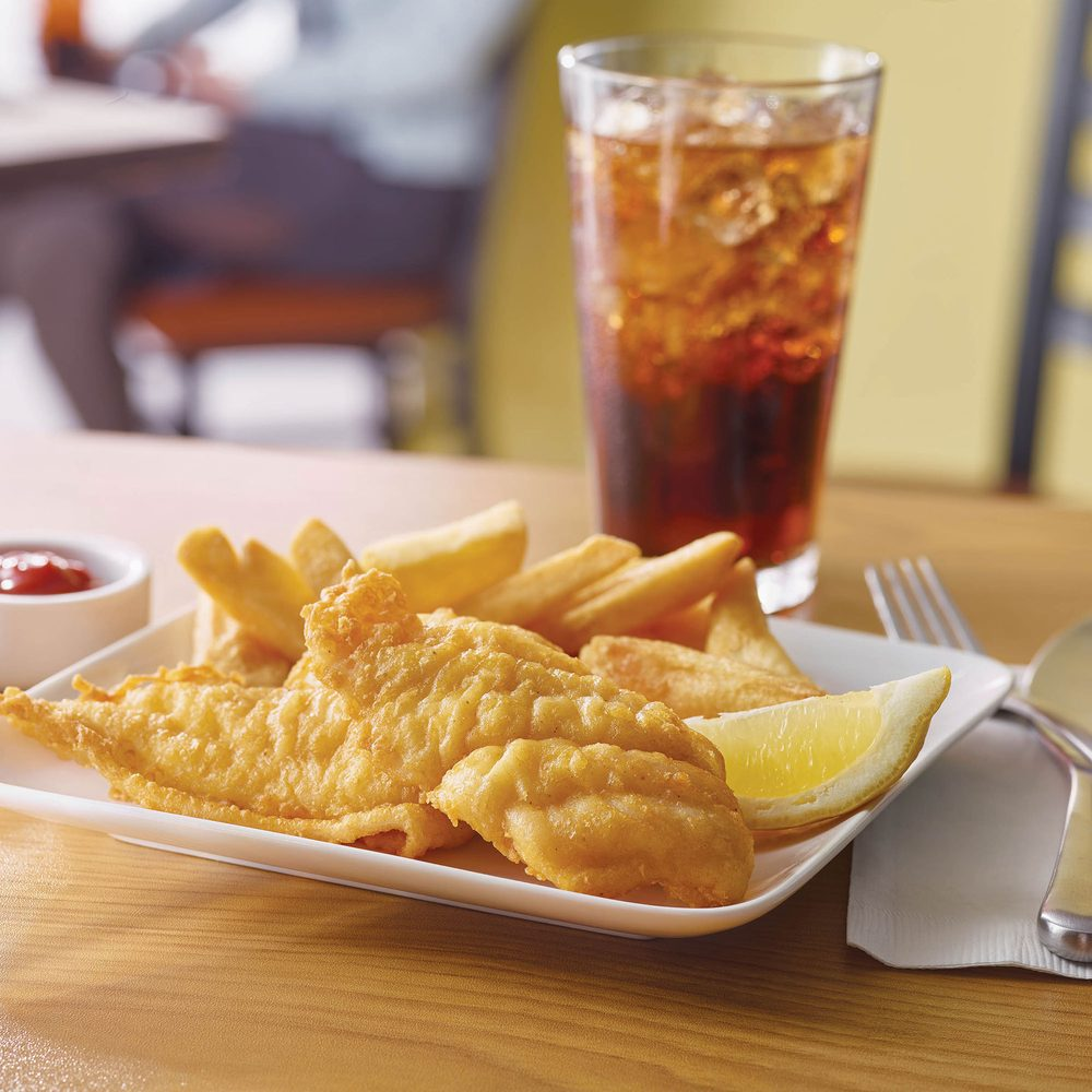 Golden Corral Buffet and Grill: 15220 Hall Rd, Clinton Township, MI