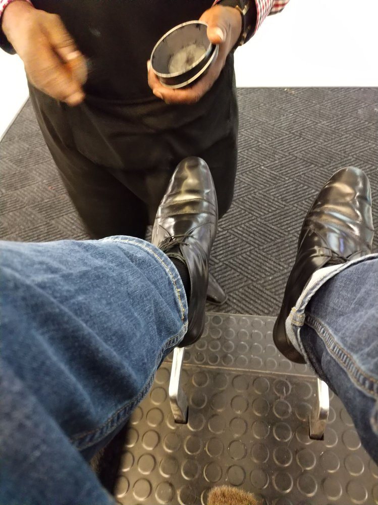 Jerry's Shoe Shine: 10400 NE 4th St, Bellevue, WA