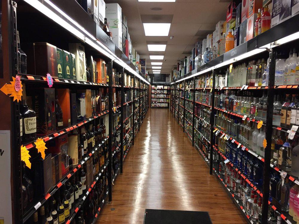 Sandy's Wine & Spirits: 100 US Hwy 46, Budd Lake, NJ