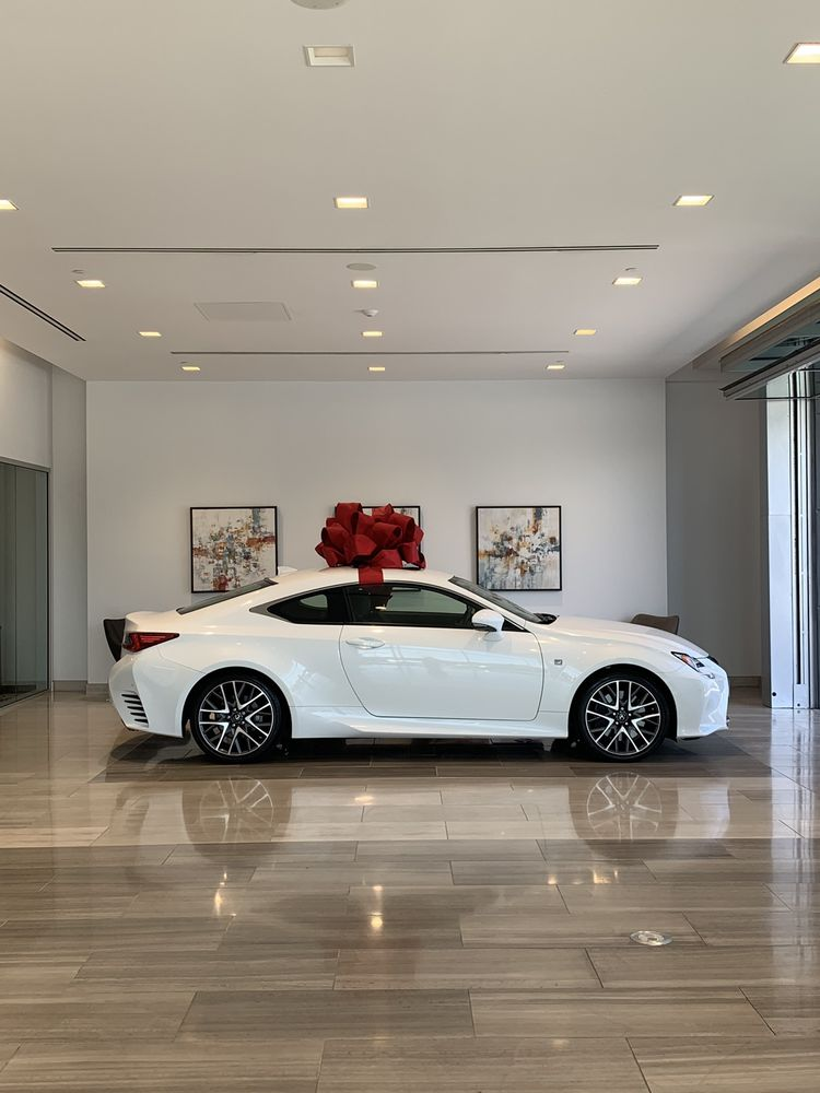 Lexus of Thousand Oaks: 3755 Auto Mall Dr, Thousand Oaks, CA