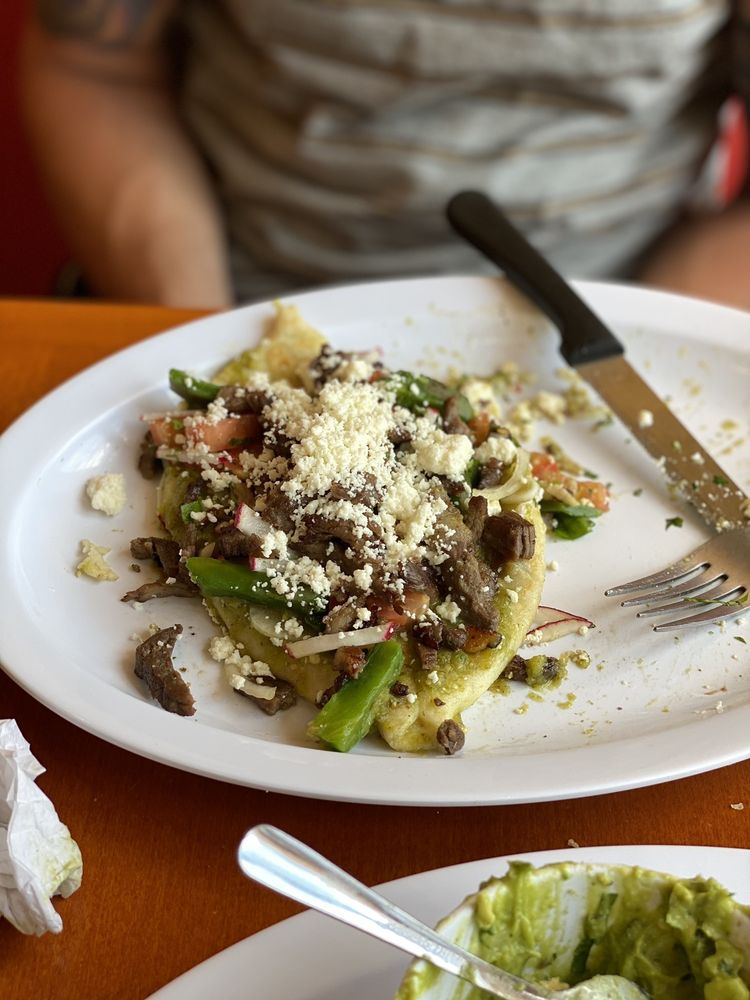 Sabor Puebla Taqueria & Cafe: 1715 Mount Ephraim Ave, Camden, NJ