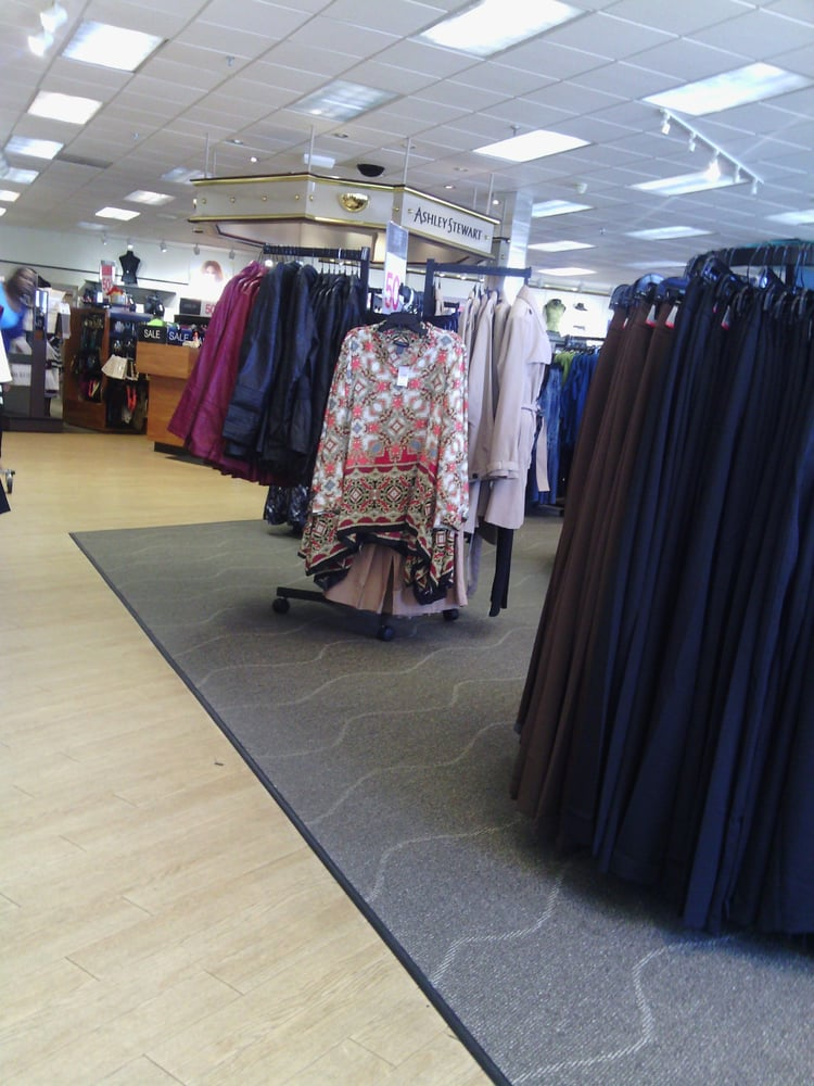 Clothing stores memphis tn