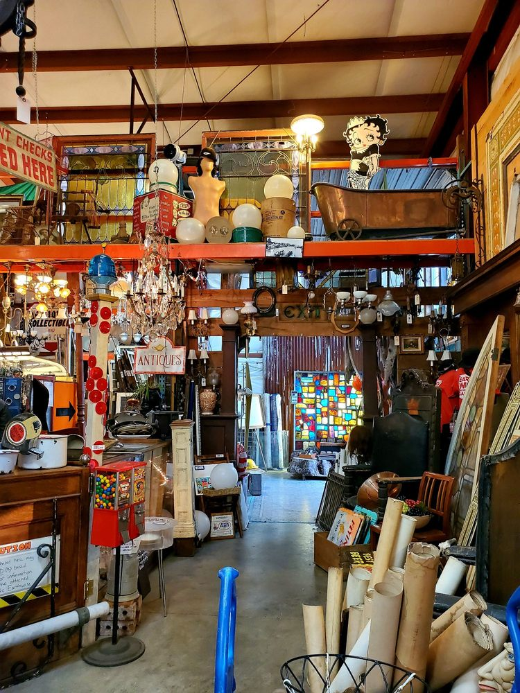 Photo of Earthwise Architectural Salvage: Seattle, WA
