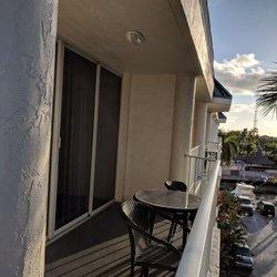 Courtyard by Marriott Key Largo - 59 Photos & 67 Reviews - Hotels