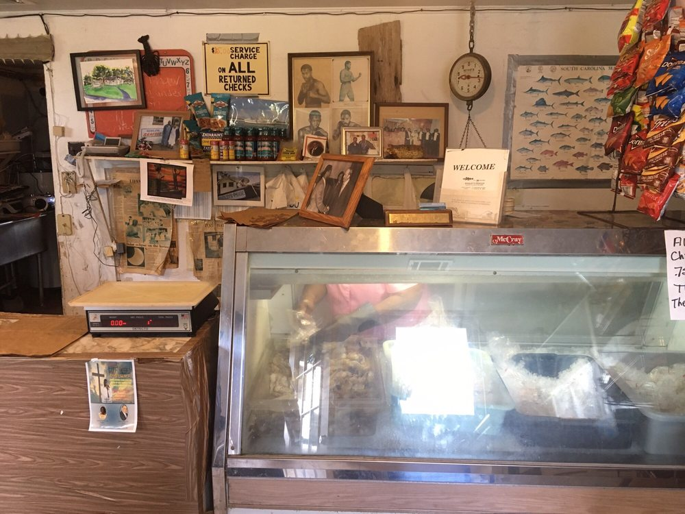 Bradley Seafood Market: 1452 Sea Island Pkwy, Saint Helena Island, SC
