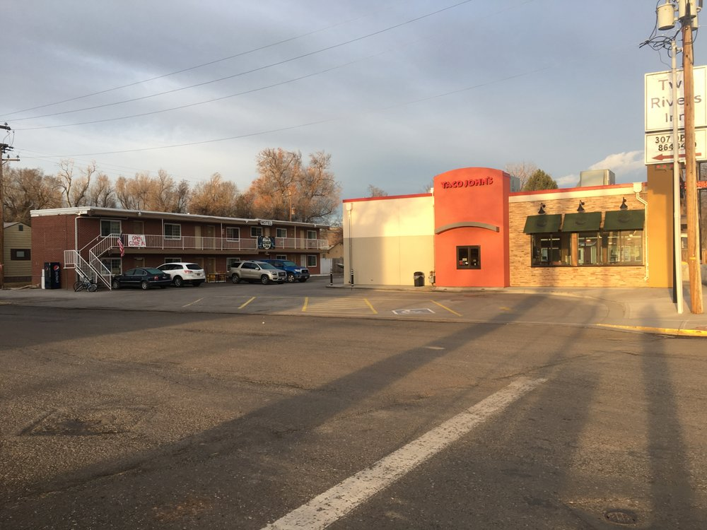 Two Rivers Inn: 401 Park St, Thermopolis, WY