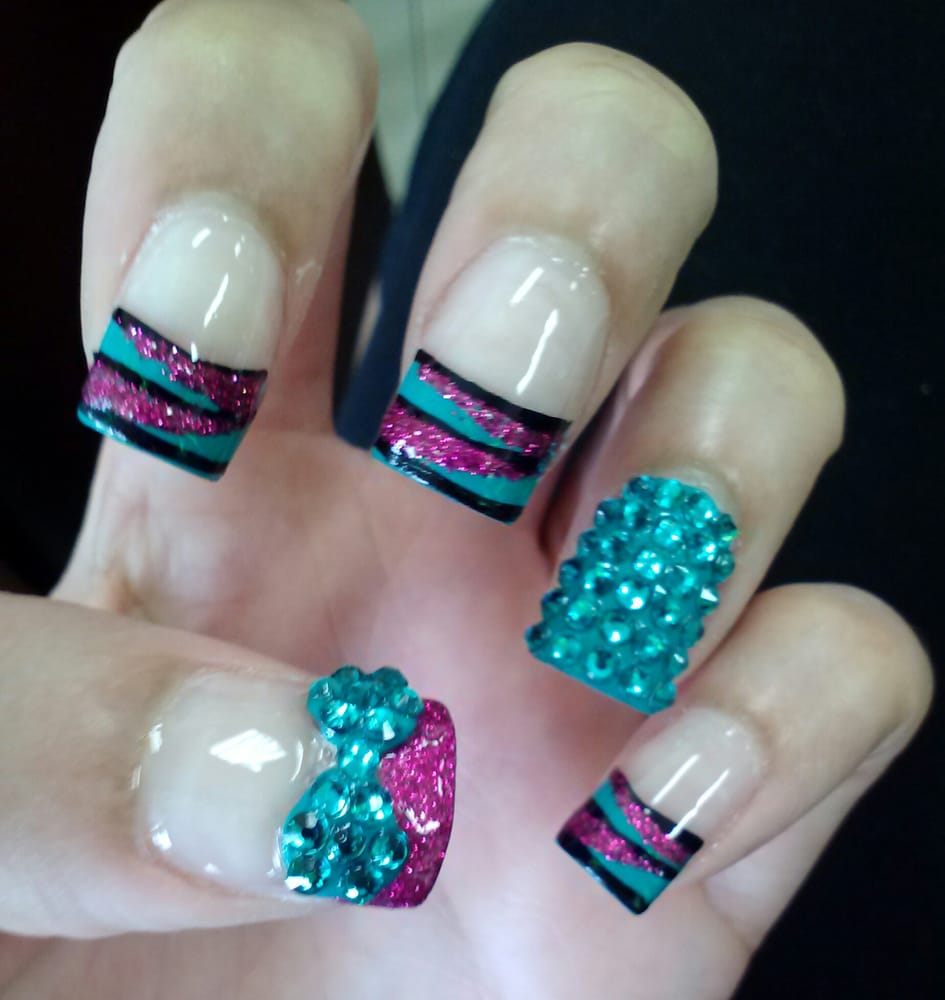 Looove Michelle!!! Full bling nail and 3D bling bow just ...