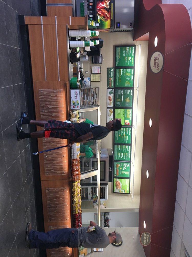 Subway: 9226 N Hwy 146, Baytown, TX