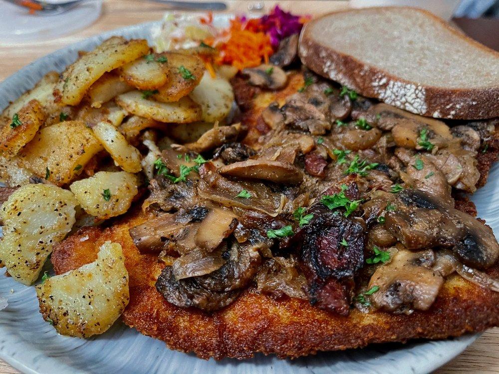 German Restaurant Stammtisch: 1204 Echo Ave, Seaside, CA