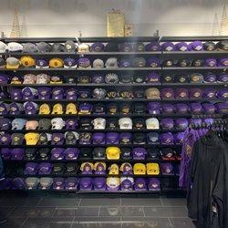 25c43c93d00e Lakers Team Shop - 100 Photos   44 Reviews - Sports Wear - 729 North ...