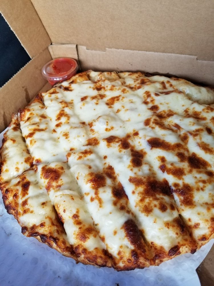 Tribe Pride Pizza: 906 Oak Main Ave, Comanche, OK