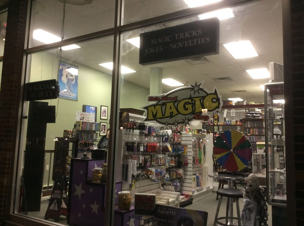 Main Street Magic Shop: 200 W Main St, Lansdale, PA