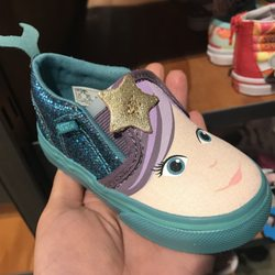 11daff606f49b0 Vans - 10 Photos   26 Reviews - Shoe Stores - 2017 Stoneridge Mall ...