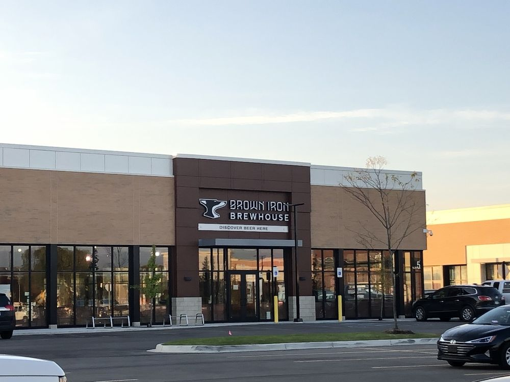 Brown Iron Brewhouse: 30955 Woodward Ave, Royal Oak, MI