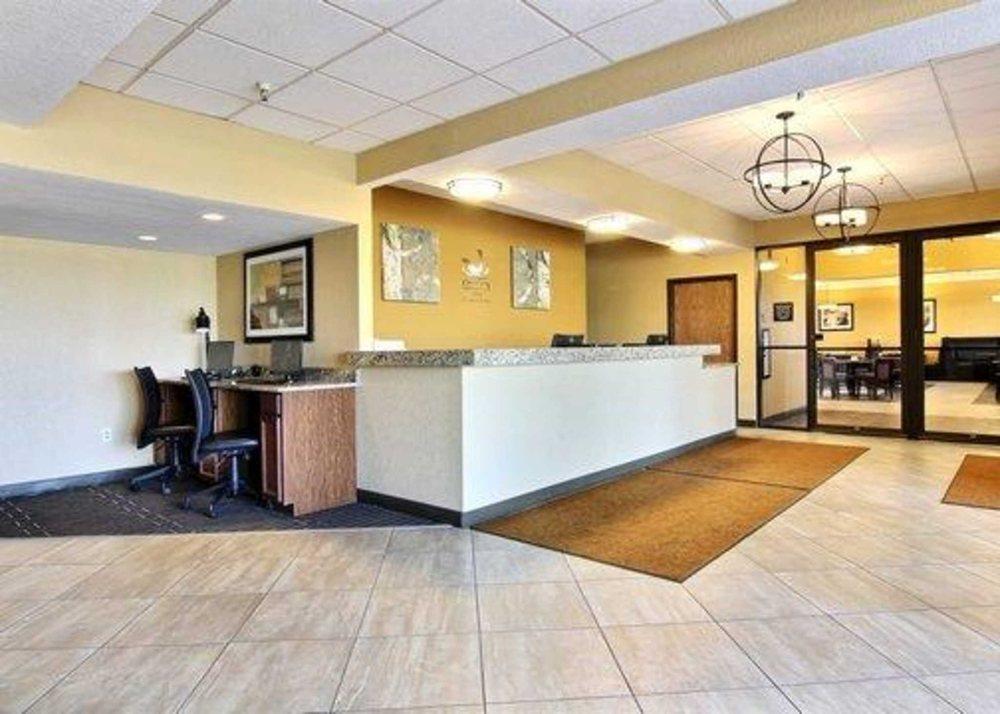 Quality Inn: 1060 Hwy 32 South, Thief River Falls, MN