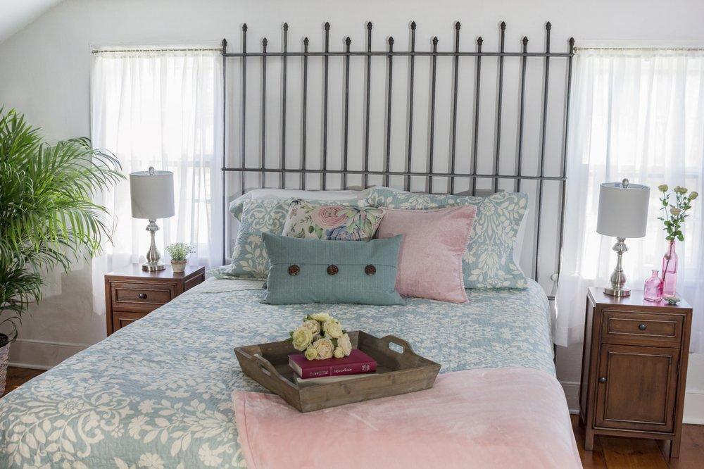 Watergrasshill Bed & Breakfast: 105 Phillies Bridge Rd, New Paltz, NY