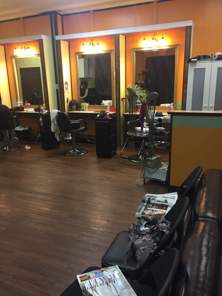 J J Beauty Salon: 1400 Blalock Rd, Houston, TX
