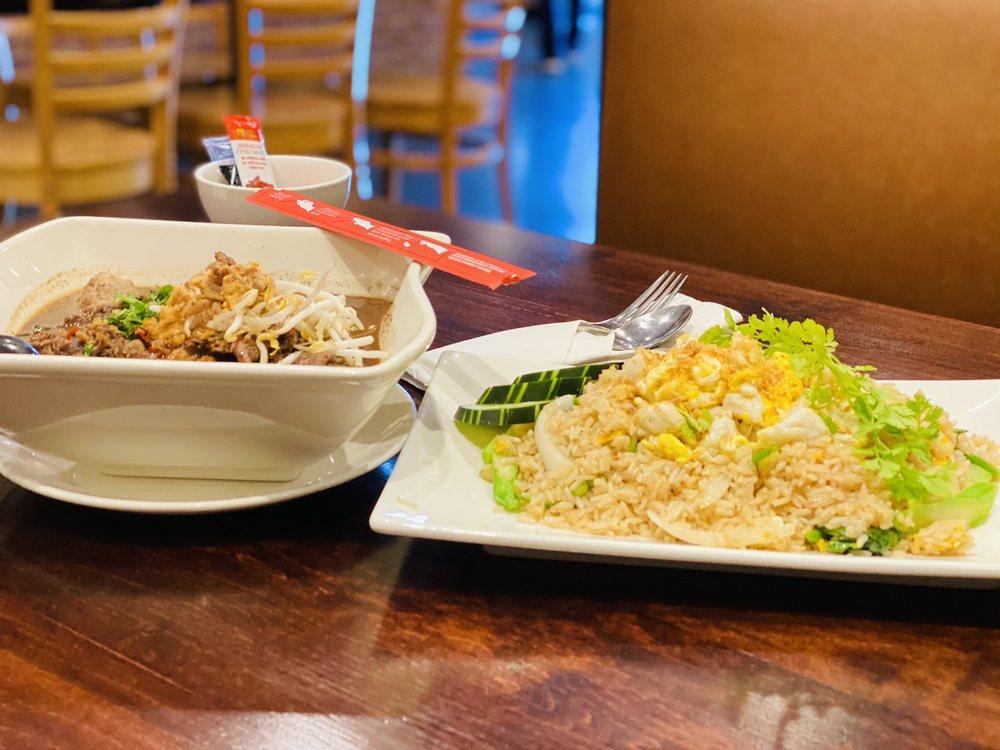 Hunsa Thai Kitchen: 4622 E Nasa Pkwy, Seabrook, TX