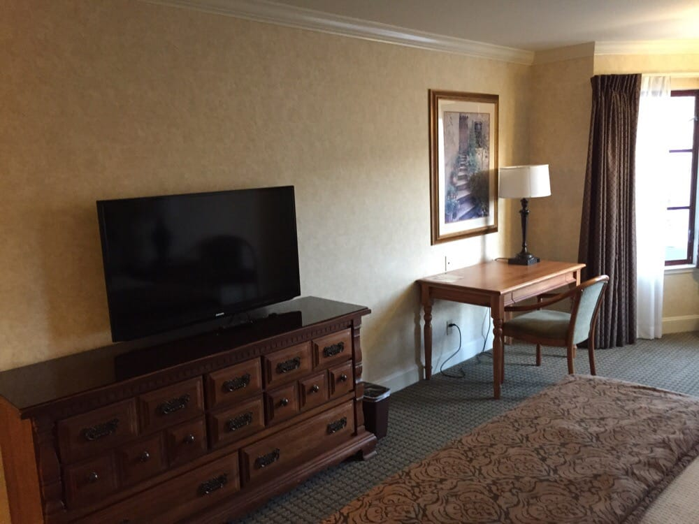 Room 309 yelp for Cow hollow motor inn