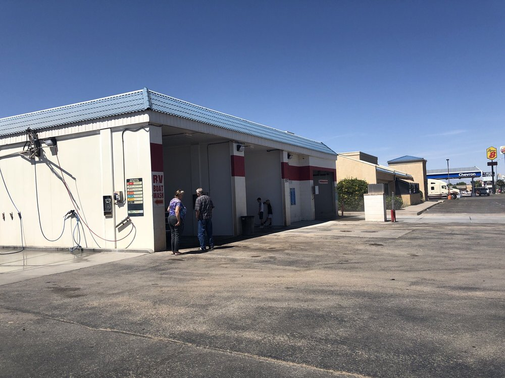 Red Dirt Car Wash: 557 W State St, Hurricane, UT