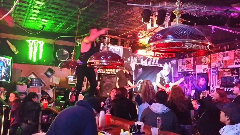 Boobie Trap Bar: 1417 SW 6th Ave, Topeka, KS
