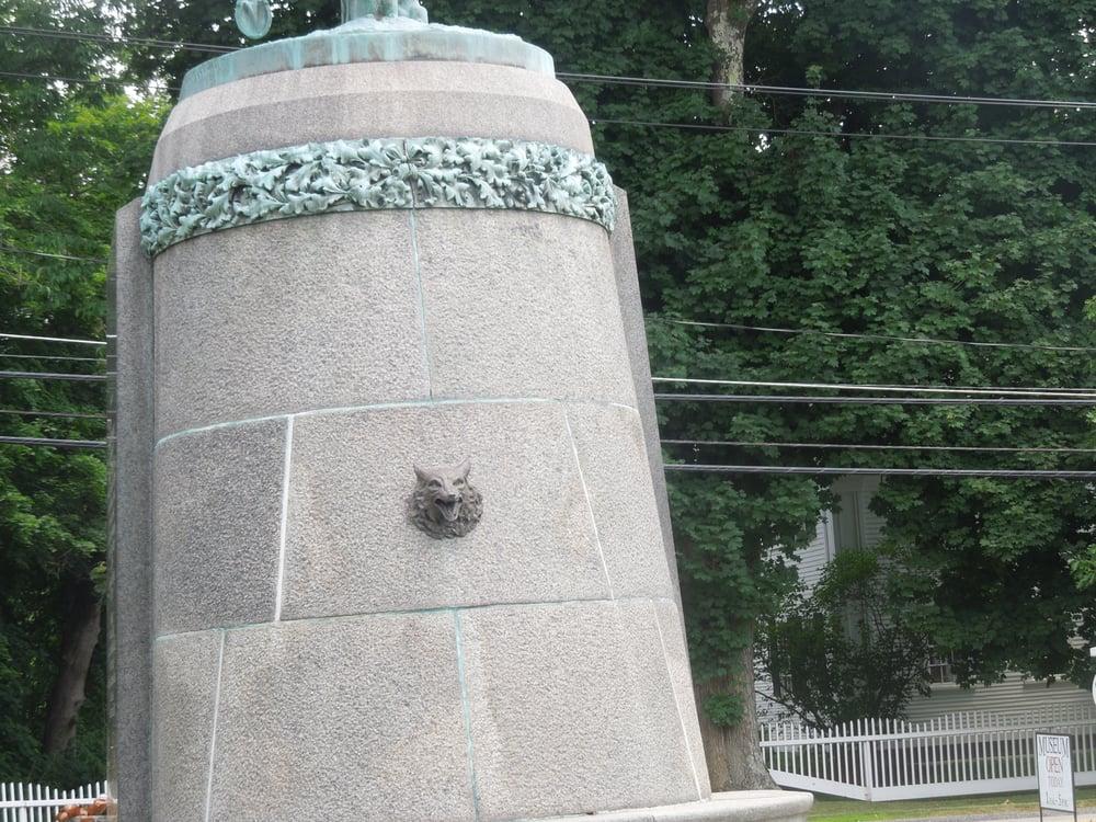 General Putnam Monument: 24 Canterbury Rd, Brooklyn, CT