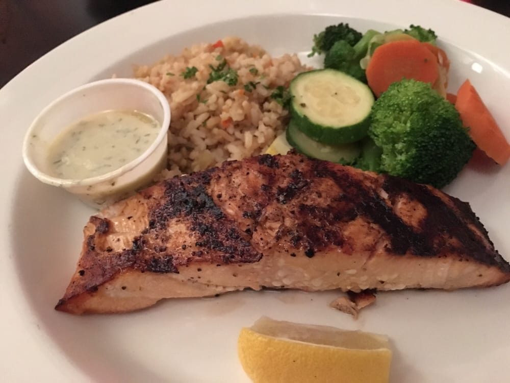 Bay Catch Seafood Bar and Grill: 230 Old Virginia St, Urbanna, VA