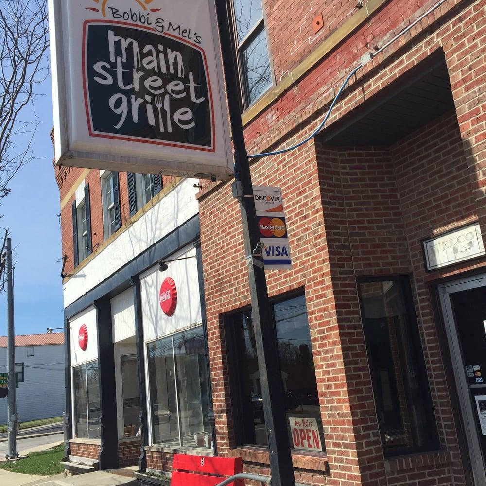 Mel's Main Street Grille: 87 N Main St, Peebles, OH