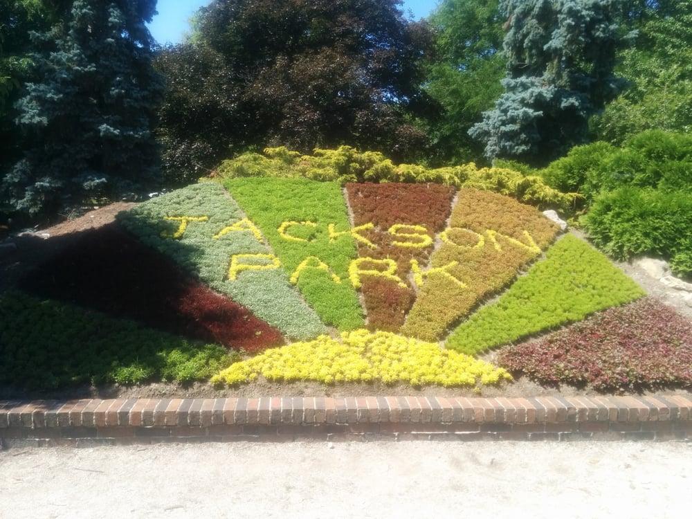 Jackson Park: 125 Tecumseh Rd E, Windsor, ON