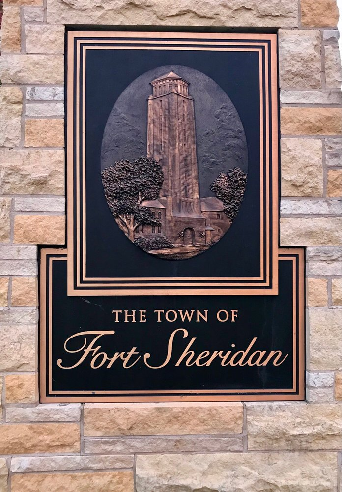 Fort Sheridan: 119 Ronan Rd, Highwood, IL