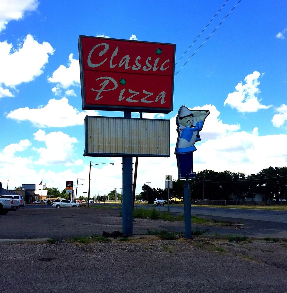 Classic Pizza: 1910 Hall Ave, Littlefield, TX