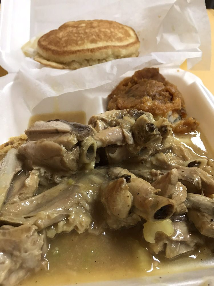Carol's Country Cookin: 323 S Cleveland St, Quincy, FL