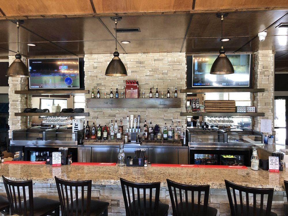 Brush Creek Golf & Grill: 1260 SE Hwy 160, Columbus, KS